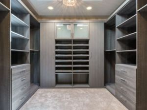 Floor Based Contemporary Walk In Closet